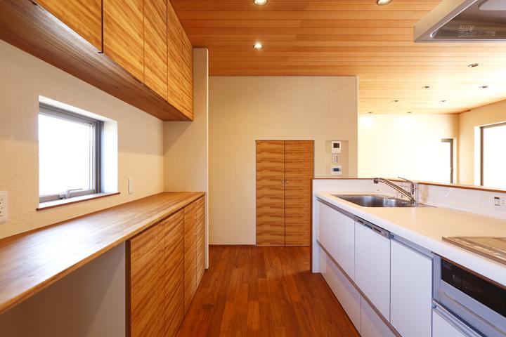 オリジナルのキッチン棚