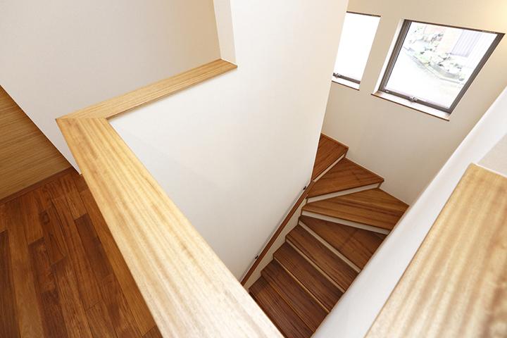 木の家 階段